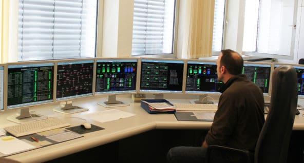Modernisierte Netzleitstelle der GEW