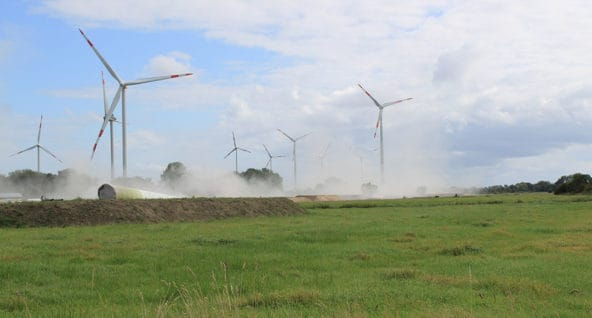Windkrafträder im Jade-Windpark gesprengt